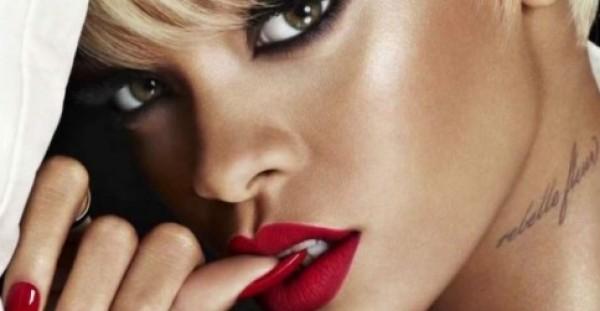 Rihanna: Όλες οι στιγμες που μας εντυπωσίασε με… τα κραγιόν της!