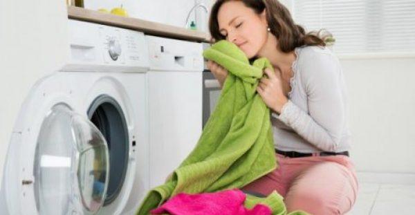 Μαλακτικό Ρούχων: Φτιάξτε το Μόνοι σας Χωρίς να Ξοδέψετε Ούτε Ευρώ