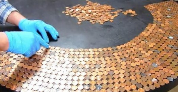 Πήρε 30 ευρώ σε κέρματα του 1 λεπτού και μέσα σε 10 ώρες έφτιαξε κάτι πέρα από κάθε φαντασία