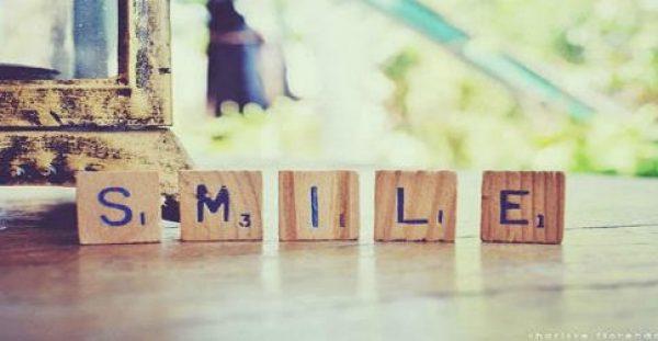 Η μεγαλύτερη εκδίκηση είναι το να χαμογελάς.