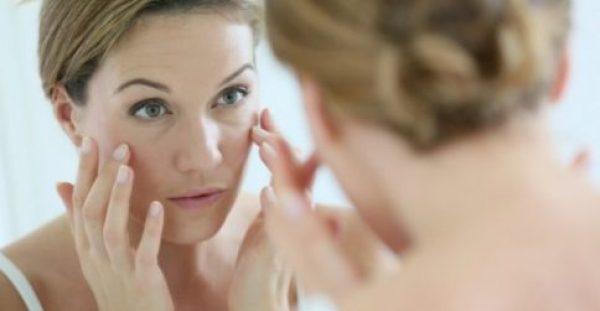 4 Φυσικοί Τρόποι για να Καταπολεμήσετε τις Ρυτίδες του Προσώπου