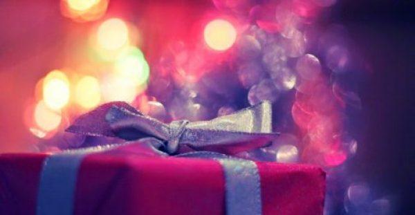 Ας ήταν όλες οι αγάπες σαν χριστουγεννιάτικο δώρο…