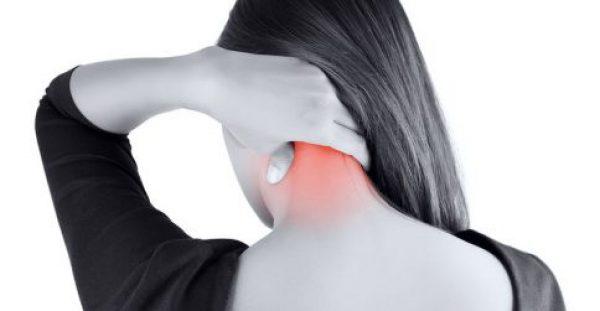 Πόνος στον αυχένα: Πώς θα τον αποφύγετε