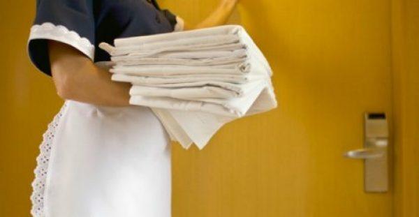 Μάθετε τα Κόλπα των Καμαριέρων για Γρήγορο Καθάρισμα!