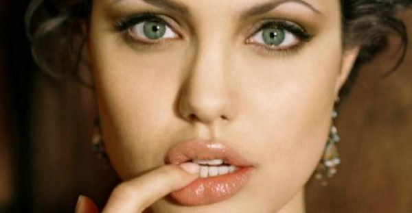 Do it like celebrities: Το μυστικό των stars για τέλειες βλεφαρίδες!
