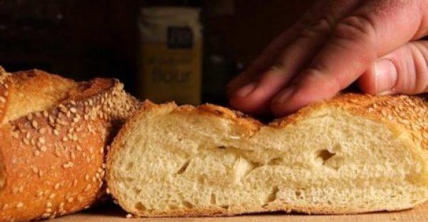 Ψωμί: Τι γίνεται αν το βάζετε στο ψυγείο – Πώς διατηρείται καλύτερα
