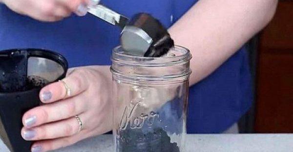 Μην ξαναπετάξετε τα υπολείμματα του καφέ, υπάρχουν 15 πανέξυπνοι τρόποι να τα χρησιμοποιήσετε στο σπίτι