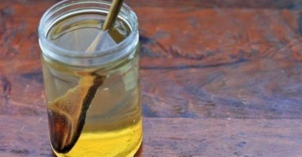 Tι συμβαίνει όταν πίνετε νερό με μέλι με άδειο στομάχι…