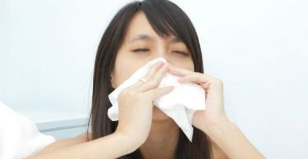 Βουλωμένη μύτη: Τι να κάνετε για καλύτερο ύπνο