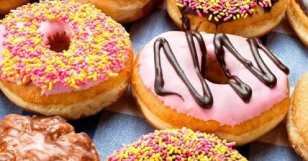 Δείτε πώς θα Φτιάξετε Πανεύκολα Donuts για Όλο το Σαββατοκύριακο