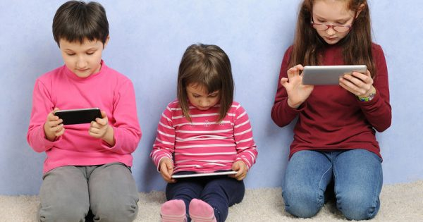 Παιδιά & οθόνες: Αυξημένος ο κίνδυνος διαβήτη λόγω της πολύωρης χρήσης