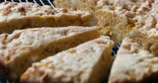 Μια Εναλλακτική Συνταγή για να Ευχαριστηθείτε το Κλασικό «Ψωμί με Τυρί» που Τρώτε για Πρωινό ή Βραδινό