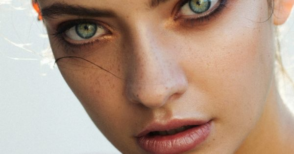 Full Lips: 3 εύκολα βήματα για να «γεμίσεις» τα χείλη σου!