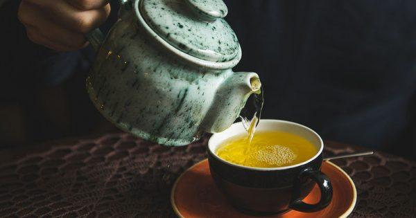 Πρόληψη άνοιας: Πόσο τσάι πρέπει να πίνετε σύμφωνα με νέα έρευνα