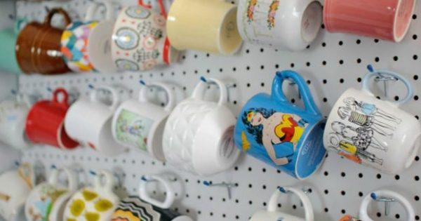 6 Έξυπνοι Τρόποι για να Αποθηκεύετε τις Κούπες του Καφέ