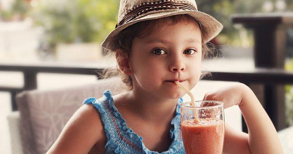 Χυμοί φρούτων & πρόσληψη βάρους: Πόσους και ποιους μπορούν να καταναλώνουν τα παιδιά