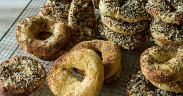 Στην Καλιφόρνια Τρελαίνονται για Bagels! Δείτε πώς θα τα Φτιάξετε και Εσείς
