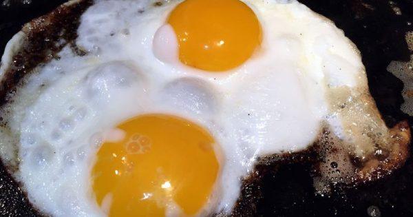 Γιατί πρέπει να τρώτε τα αυγά ολόκληρα