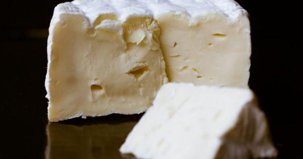 Τυρί καμαμπέρ: Κίνδυνος για λιστερίωση – Προσοχή στα συμπτώματα