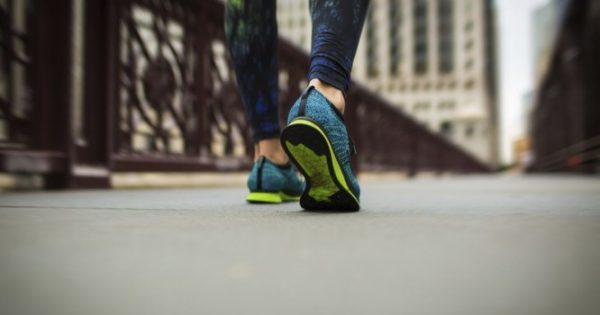 Αδυνάτισμα μόνο με περπάτημα: Αναλυτικό πρόγραμμα, απόσταση και θερμίδες [πίνακες]