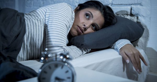 Το φρούτο που βοηθά στην αντιμετώπιση της αϋπνίας