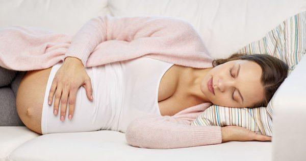 Υπνική άπνοια & εγκυμοσύνη: Οι πιθανές σοβαρές επιπλοκές
