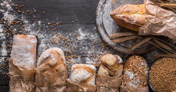 Λευκό vs μαύρο ψωμί: Ποιο είναι πιο υγιεινό τελικά;