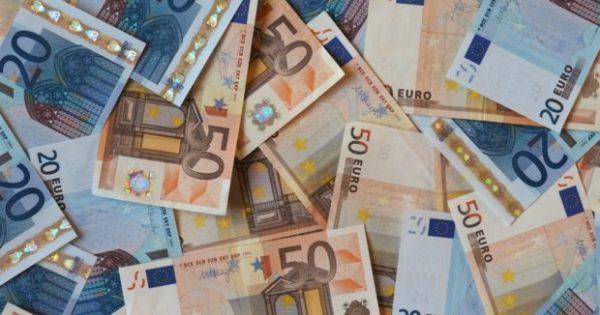 12 Πανεύκολοι Τρόποι για να Βάλετε Χρήματα στην Άκρη