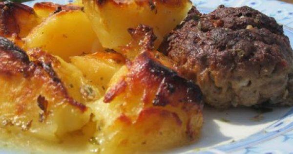 Πατάτες στον φούρνο με μπιφτέκια !!!