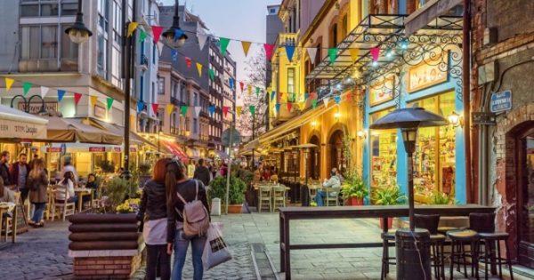 Υπερβολικό αλάτι στην κουζίνα της Θεσσαλονίκης – Καμπανάκι υγείας από επιστημονική έρευνα