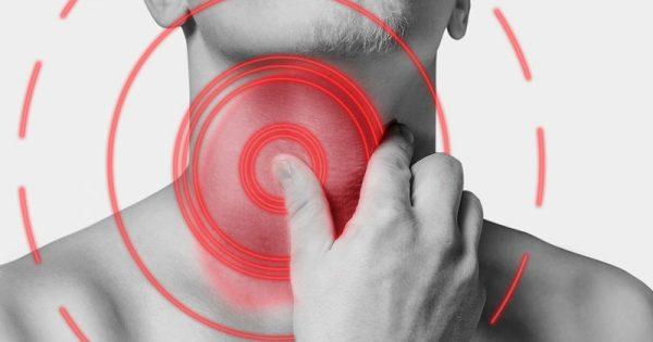Καρκίνος λάρυγγα: Τι τον προκαλεί και με ποια συμπτώματα εκδηλώνεται