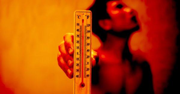 Θερμoπληξία και θερμική καταπόνηση: Τι επιβάλλεται να ξέρετε για τις επόμενες μέρες