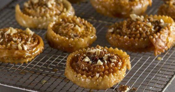Κρητικά Ξεροτήγανα: Ένα Πανεύκολο Γλυκό Έτοιμο σε 45 Λεπτά!