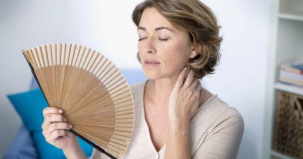 Πρόωρη εμμηνόπαυση: Ποιες τροφές την απομακρύνουν ως ενδεχόμενο