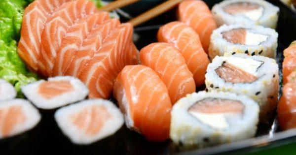 Αν Τρώτε Αυτές τις 5 Τροφές Κάθε Μέρα θα Δείχνετε Πολλά Χρόνια Νεώτεροι!