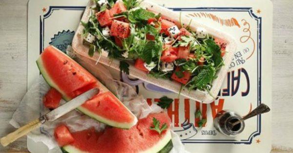 Να πώς θα Φτιάξετε την πιο Δροσερή Σαλάτα με Καρπούζι