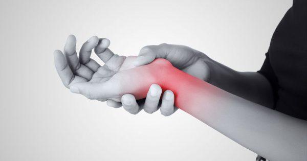 Σύνδρομο καρπιαίου σωλήνα: Φυσιοθεραπεία ή χειρουργείο;