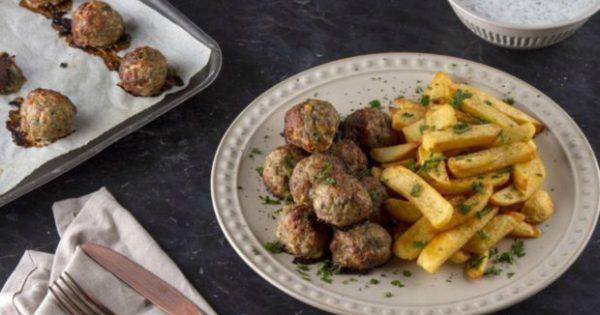 Φτιάχνουμε Κεφτεδάκια με Πατάτες: Το πιο κλασικό Σαββατιάτικο γεύμα