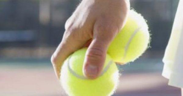 Ο λόγος που πρέπει να ταξιδεύετε πάντοτε με ένα μπαλάκι του τένις στην χειραποσκευή σας