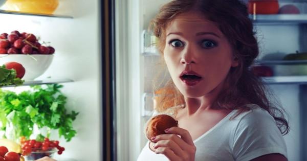 ΘΑ ΕΚΠΛΑΓΕΙΤΕ: Δείτε τι πρέπει να τρώτε το βράδυ για να χάσετε κιλά!