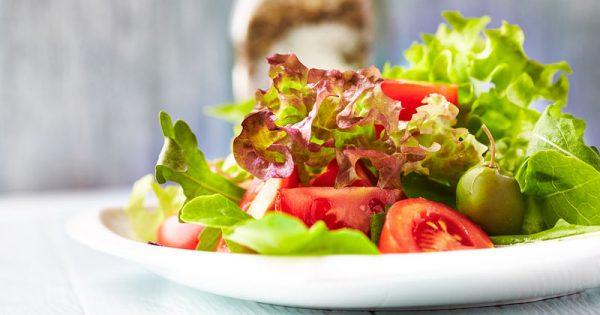 Η μεσογειακή διατροφή κάνει… διακρίσεις – Δείτε ποιους ωφελεί