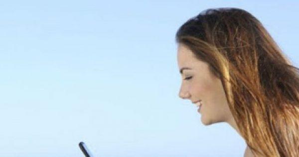 «Καίγεται» το κινητό σου το καλοκαίρι; Δες τι πρέπει να κάνεις