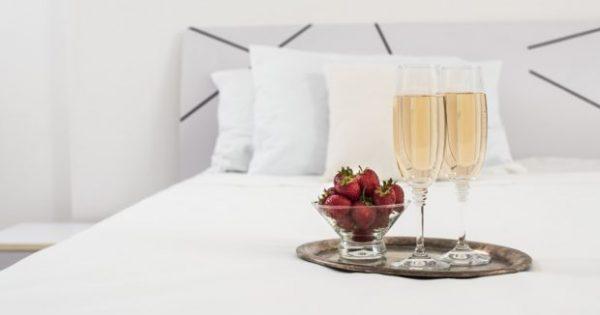Πώς να Στρώσετε το Κρεβάτι σας Σαν τα Κρεβάτια Πολυτελών Ξενοδοχείων