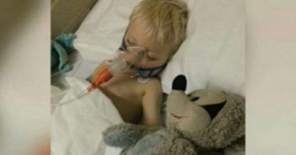 Νήπιο που έδινε μάχη με σπάνια μορφή καρκίνου στους πνεύμονες, γίνεται καλά μετά την βάφτιση του στο νοσοκομείο.