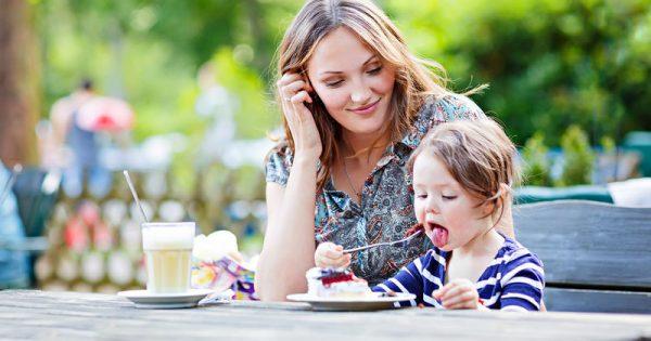 Πέντε συχνά λάθη που κάνουν οι γονείς στη διατροφή των παιδιών τους
