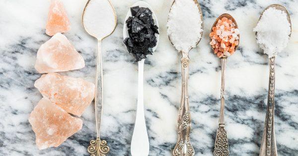 Απλοί τρόποι να μειώσετε το αλάτι στη διατροφή σας