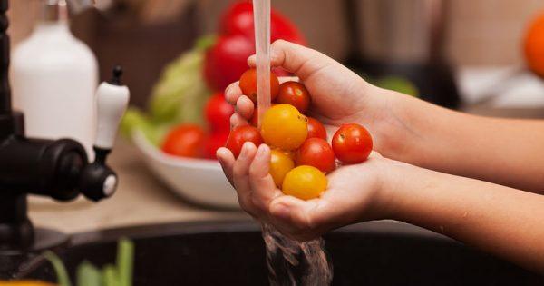 Τέσσερις «παγίδες» στην παρασκευή της σαλάτας