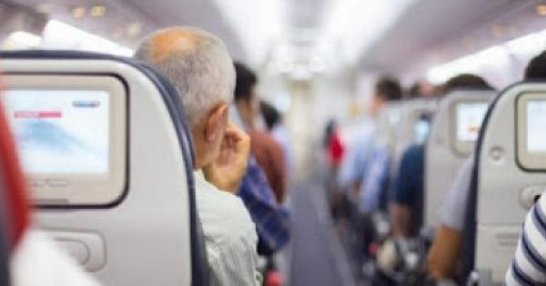Γιατί τα καθίσματα στα αεροπλάνα είναι μπλε…