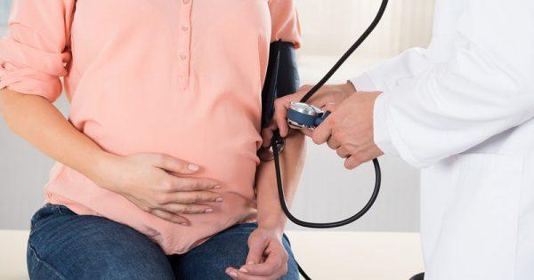 Υπέρταση στην εγκυμοσύνη: Ο σοβαρός κίνδυνος για την έγκυο