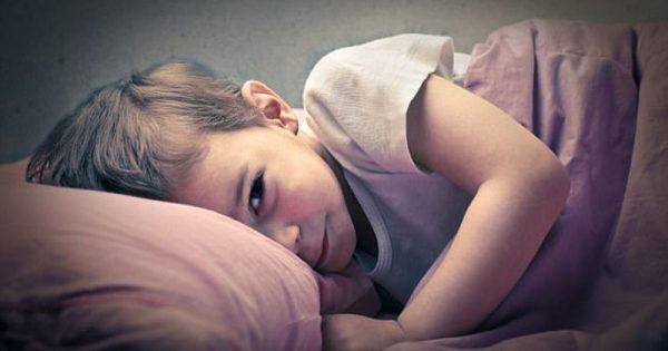 Ύπνος παιδιών: Πώς επηρεάζεται από τα προβλήματα ύπνου των γονιών